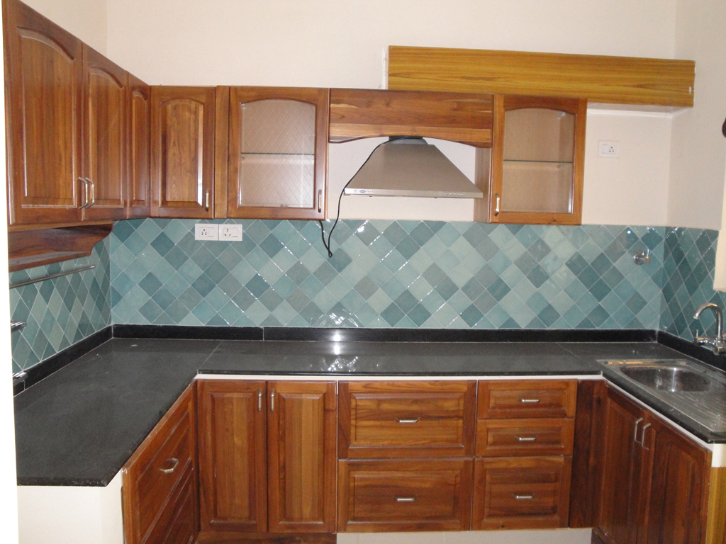 Modular kitchen lucknow vikas nagar indira nagar gomti for Modular kitchen cupboard